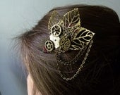Pince Steampunk coiffure La Flèche nature feuille rouage engrenage costume mecanique machine montre