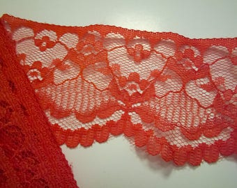 Red lace: length 60mm width 100cm (07)