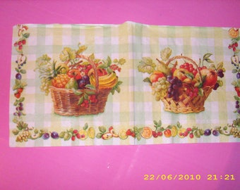 Napkin basket of fruit