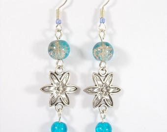 Earrings silver cracked glass beads in blue, flower connector.