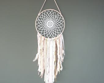 Dream catcher, hanging, wall decor, pink / white /dentelle