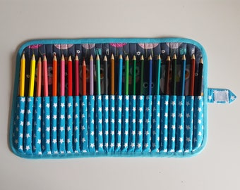 Case pencils or markers, 24 compartments owls fabric, fully lined, neat work.
