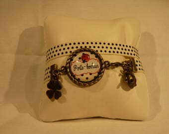 """Bracelet with a little retro Ribbon and """"Lucky"""" cabochon"""