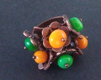 Green and yellow flower ring