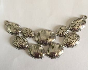 Necklace: silver metal link
