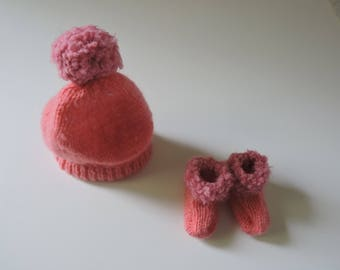 All Hat & booties knitted