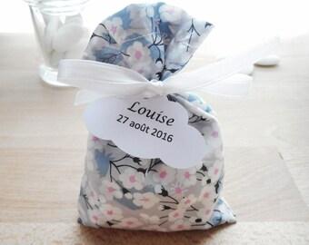 Box dragees for wedding & christening - fabric Liberty Mitsi light gray - white satin ribbon - custom paper label