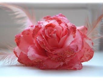 PIN or elastic flower rose with feathers
