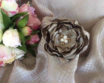 Flower 9 cm in Brown satin glazed with Rhinestones