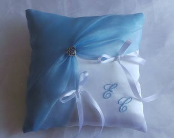 Blue and white chic ring bearer pillow