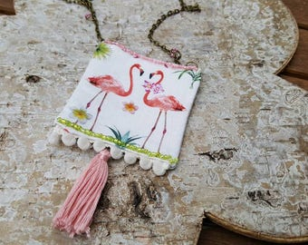 "Necklace ""a love of flamingos"""