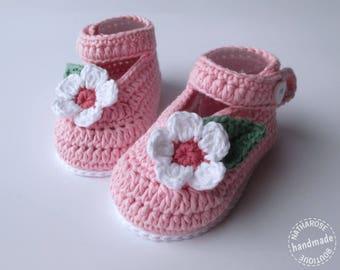 Chaussons bébé babies roses fleurs blanches en coton bio