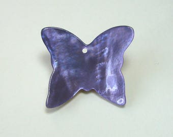 Charm, Pearl pendant, butterfly, 27 mm x 23 mm, purple.