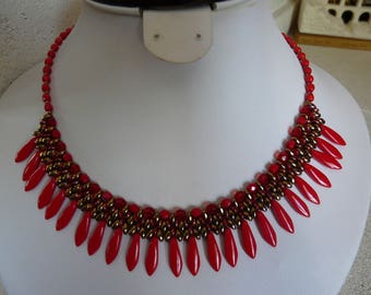 WOVEN WITH DAGGERS STATEMENT NECKLACE RED AND BLACK