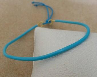 Beach bracelet adjustable brass and blue molded plastic