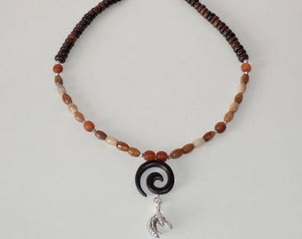 Fatime Brown onyx necklace, Horn, wood