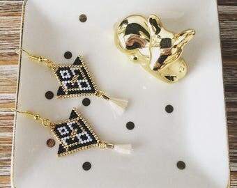 Boucles d'oreilles ethnique noir et blanc en tissage de perles de miyuki