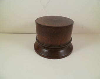 Round stand for figurines shot with stained mahogany srcta1 Cormier