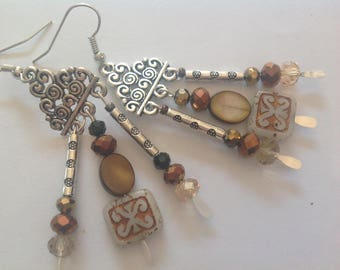 Three holes, gold, silver, Brown and beige tones, Pearl Earrings in silver connectors in the