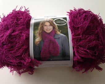 Ball SUPERFUR yarn scarf