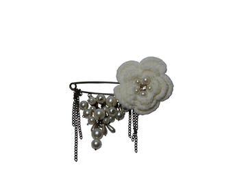 Mother of Pearl large brooch with flower crochet cream and coloured beads