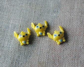 Kawaii yellow cabochons small alien set