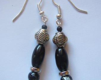 Long dangling earrings black and silver