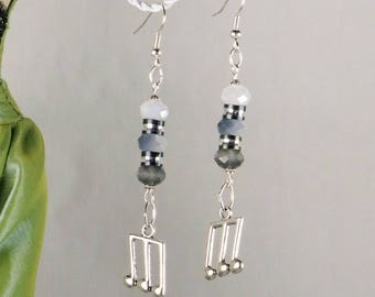 Music notes and cut Crystal iridescent shades of black and white for these Stud Earrings - a jewel By MP Bertrand 123Pierres