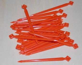 Plastic candy picks