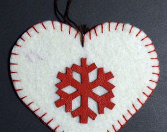 Suspensions Alsace embroidered felt heart Decoration