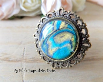 Ring Round Cameo Pearl Peacock
