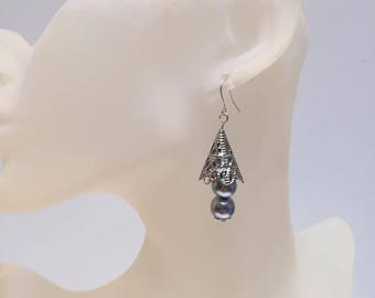 Conical Silver earrings grey pearls