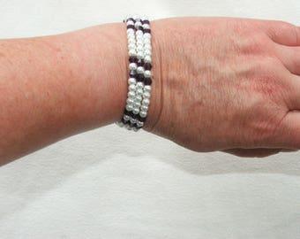 Bracelet triple strand beads