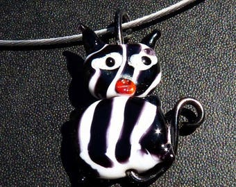Black and white Cat glass