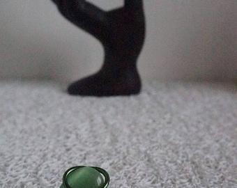Green cabochon ring