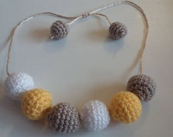 Crocheted beaded necklace: Beige, mustard yellow and white Paillete
