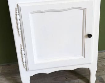 Vintage bedside table restyled with chalk paint