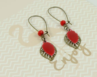 Earrings 006 red leaves and brass sheet