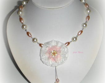 SHABBY CHIC white and pale pink necklace