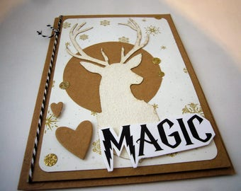 """Carte de voeux """"Magic"""", monde des sorciers, magie. Faite main. Pièce unique. Made in France.Carterie scrapbooking beige et blanche avec cerf"""