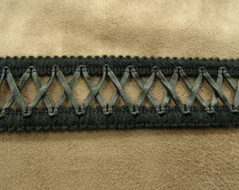 Ribbon interlaced 3 cm - black Leatherette