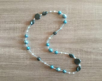 Necklace green pearls and iridescent turquoise