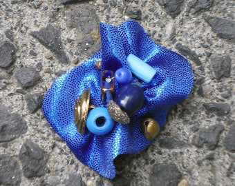 Mediterranean ring (metal, beads and fabric)