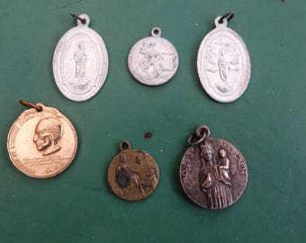 Vintage jewelry: set of antique religious medals