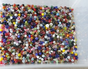 113g of multicolored seed beads
