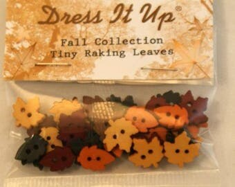 Assortment of 35 novelty buttons - small autumn leaves