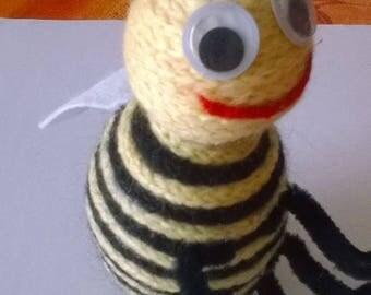 Bee made knitting wool.