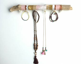 Jewelry display stand - Jewelry holder - Bohemian style - Decorative item - Painted driftwood - Homedecor.
