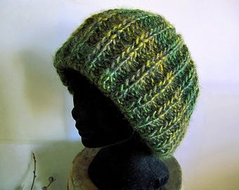 SALE 60% Beret/hat with striped wool in Green Gold