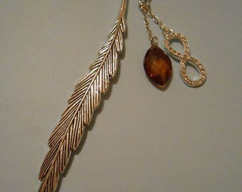 Feather bookmark with Brown charm